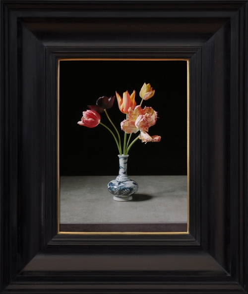 Rob and Nick Carter - RN1061, Transforming Five Tulips in a Wan-Li Vase, 2017 · © Copyright 2020
