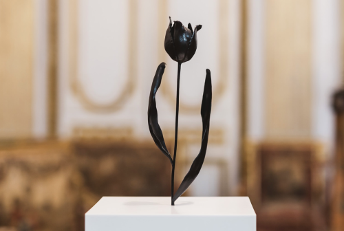 Rob and Nick Carter - RN914, Black Tulip, 2012 · © Copyright 2019